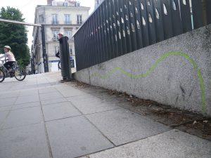 Le gars qui a tracé la ligne a dû craquer à la fin (il faut le comprendre aussi)